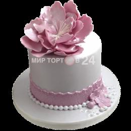 Торт свадебный одноярусный с нежно-розовым цветком