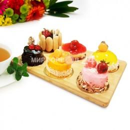 Ассорти из пирожных (5)