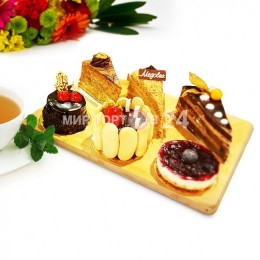 Ассорти из пирожных (6)