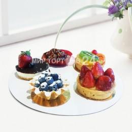 Ассорти из пирожных (8)