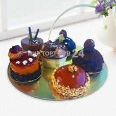 Ассорти из пирожных (11)