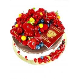 Торт праздничный с ягодами 1
