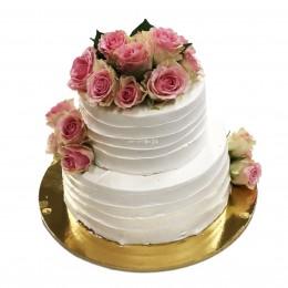 Торт свадебный двухъярусный с живыми цветами пиона
