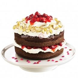 Торт праздничный бисквитный с вишенками