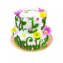 Торт детский в два яруса, украшенный полевыми цветами