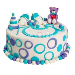 Торт детский  с фигуркой мишки и голубых ботиночек