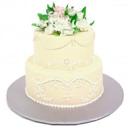 Торт свадебный Нежность с мелкими белыми цветочками