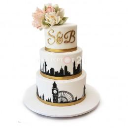 Торт свадебный в три яруса с рисунком биг бена и бутонами цветов