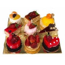 Ассорти из пирожных (3)