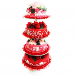 Красный свадебный торт  с розами  на подставке