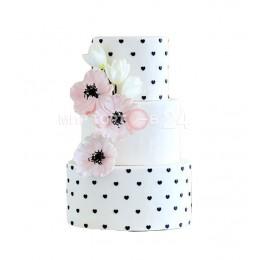 Торт Свадебный, украшенный черными сердцами