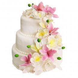 Торт свадебный белый с цветами