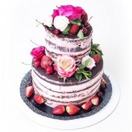 Торт свадебный с цветами и ягодами