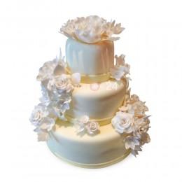Торт свадебный белый с белыми розами