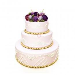 Торт свадебный с цветами сверху