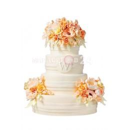 Торт свадебный белый с цветами 1