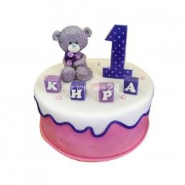Торт детский на год с фигуркой мишки и кубиками