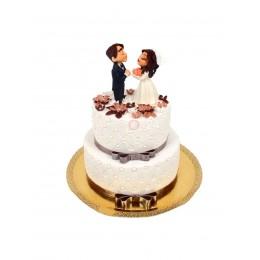 Торт свадебный белый с фигурками