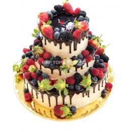 Торт праздничный трех ярусный с ягодами