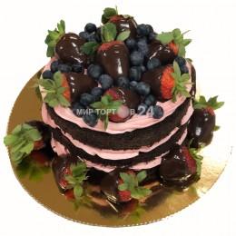 Торт праздничный  открытый с клубникой в шоколаде и голубикой