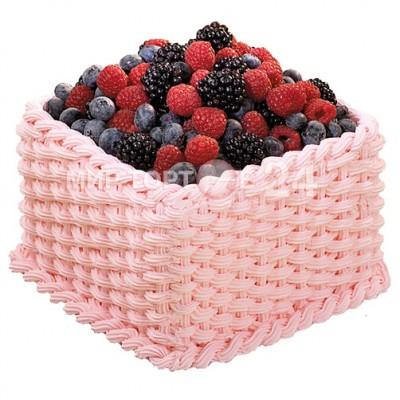 Заказать Торт праздничный в нежно-розовой корзинке с ягодами