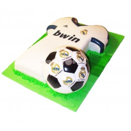 Торт праздничный на чемпионат мира в форме футболки и мяча