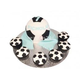 Торт праздничный на чемпионат мира в форме мяча с капкейками