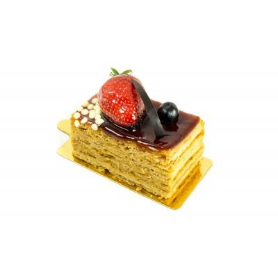Радуйте себя и близких вкусным пирожным Наполеон с карамелью